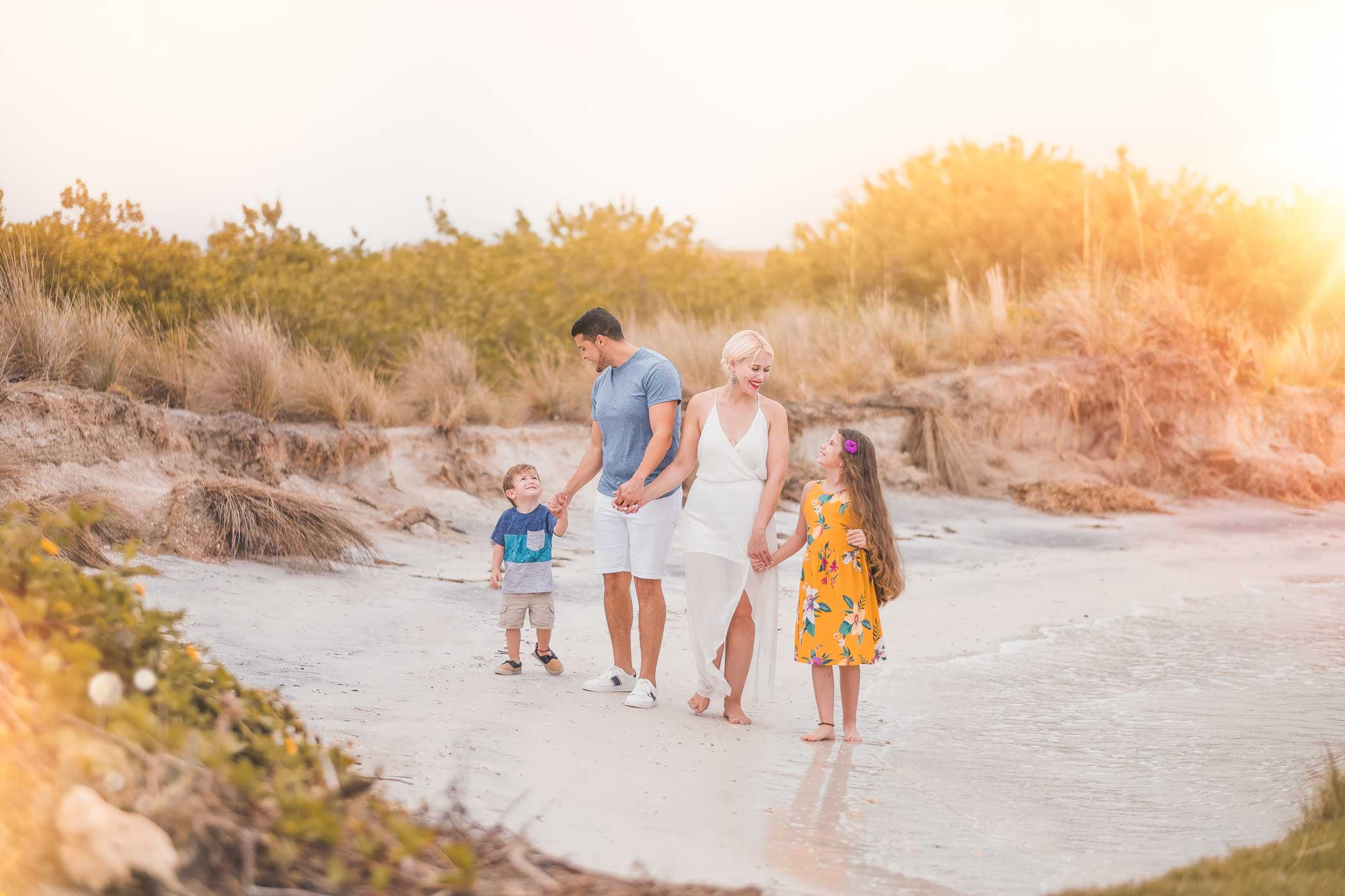 Family photographer in Tampa