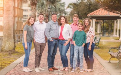 WHAT SHOULD I WEAR TO MY FAMILY PORTRAIT SESSION?